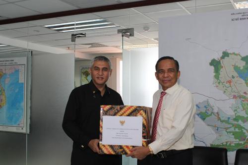 Lãnh đạo HoREA làm việc với đoàn Tổng Lãnh sự quán Indonesia ngày 7 tháng 10 năm 2019