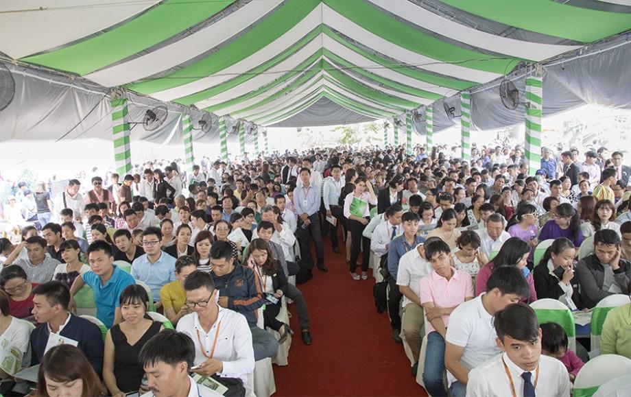 Hơn 1.000 khách hàng tham dự và trên 400 giao dịch thành công tại ''Lễ công bố và khai trương căn hộ mẫu 9View Apartment''