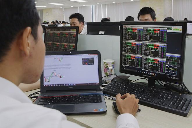Chứng khoán có gần 14.000 tỉ đồng giao dịch, lập kỷ lục sau gần 3 năm
